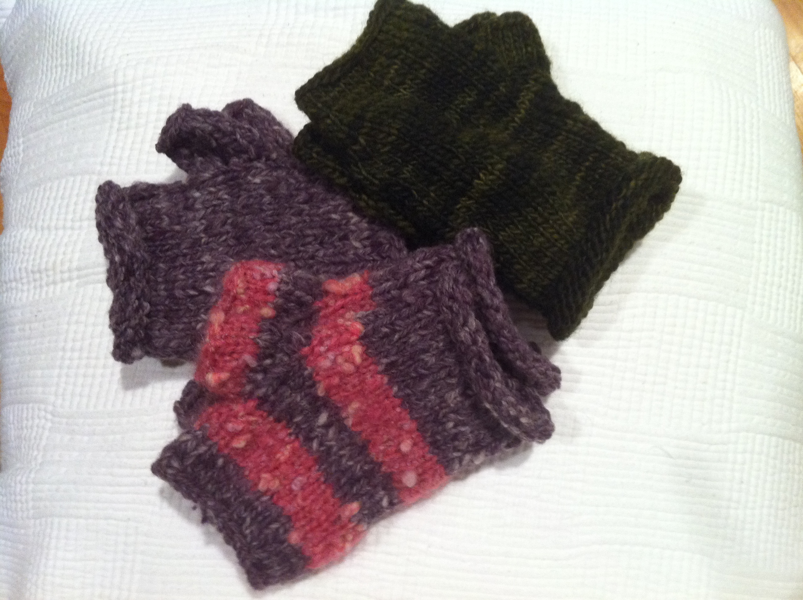 Easy quick knitted wrist warmers artemesia healing arts wrist warmer medley bankloansurffo Image collections
